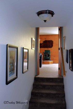 Hallwaytofamilyroom